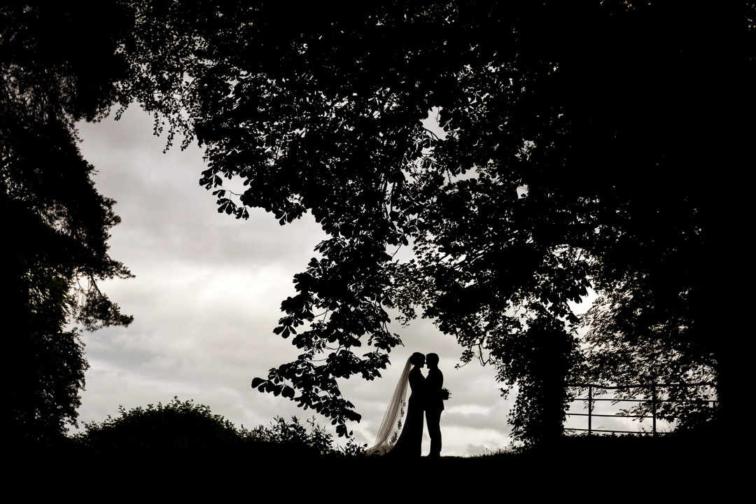 creative wedding photo silhouette bride groom